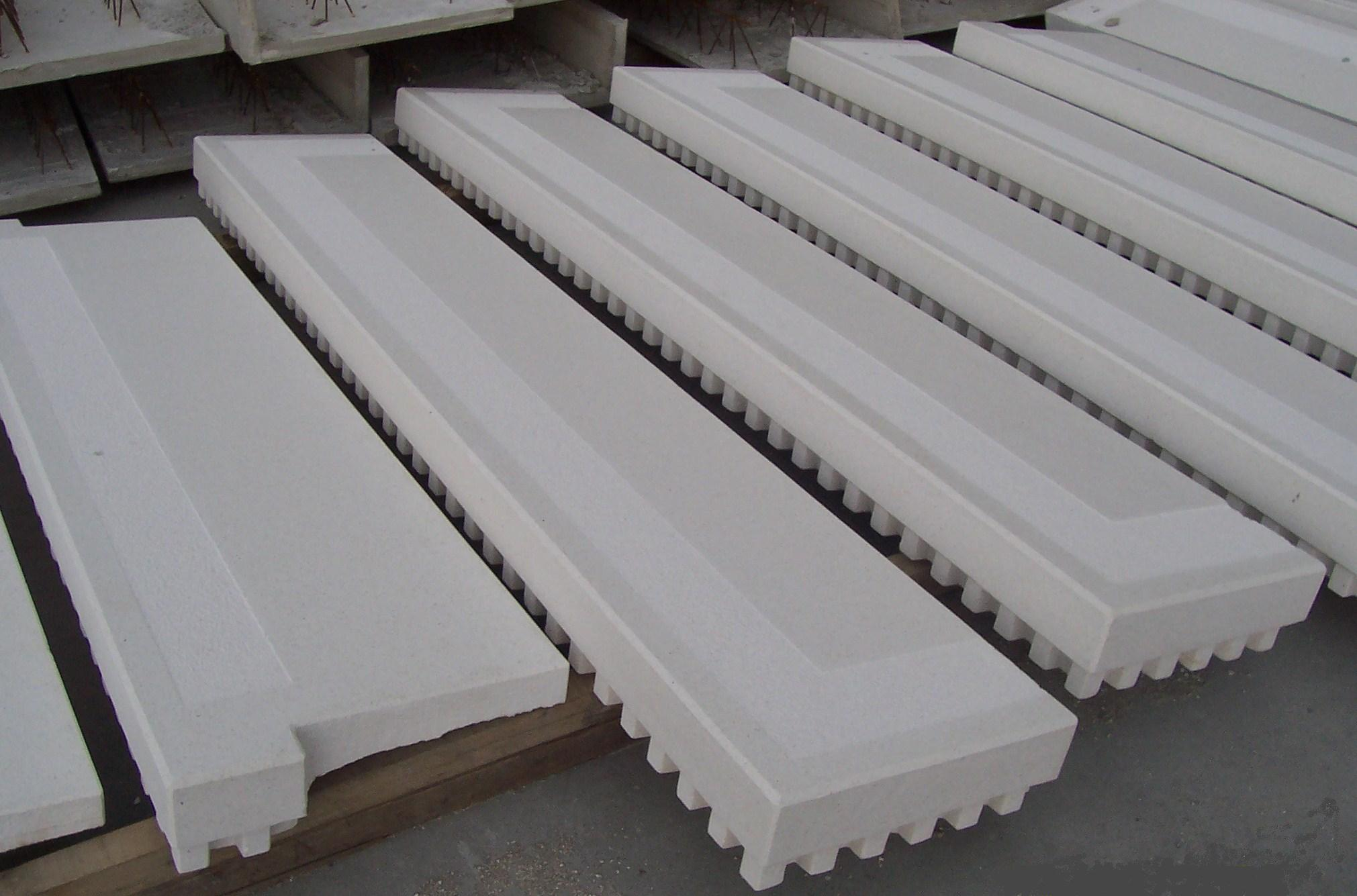 Davanzali e scale righi germano s n c - Gradini in cemento per esterno ...