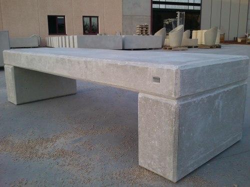 panca in cemento grigio mod. logo